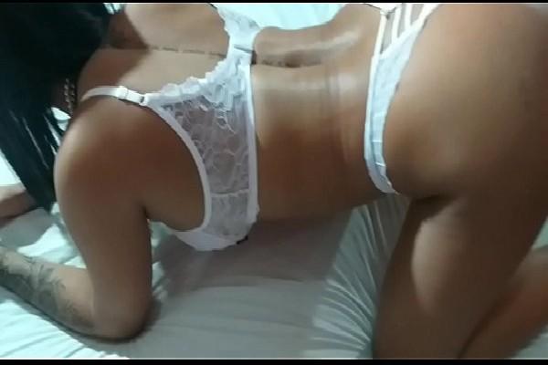 Morena amadora amadora gostosa e safada fazendo porno hd