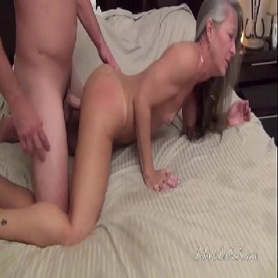 Pornô hd  completo com coroa safada